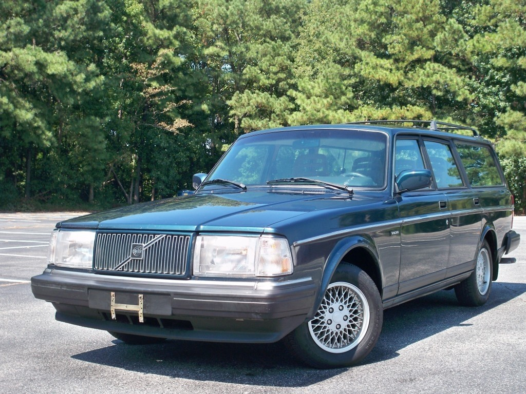 Volvo 240 Classic Limited Edition Wagon Planetcarsz